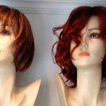 paryk med pagehår og langt rødt hår